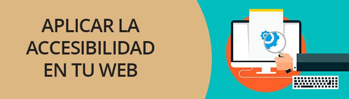 Título en texto sobre cómo aplicar accesibilidad en WordPress junto a imagen de ordenador de sobremesa en la que se destacan iconos de engranaje bajo una lupa